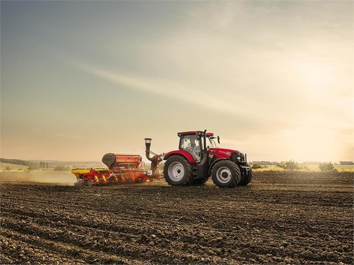 Case IH Presents New Maxxum 150 CVX, 6-Cylinder Compact