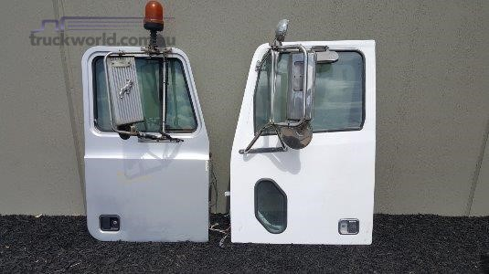 0 Western Star Doors - Parts & Accessories for Sale