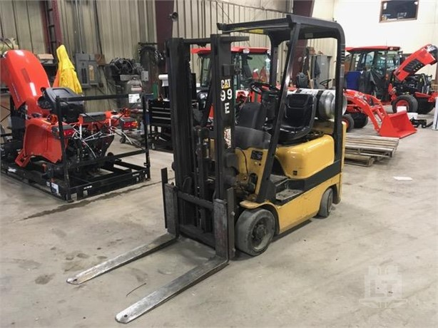 Lifts For Sale From Ginop Sales Inc  - Alanson, Michigan - 3
