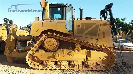 2011 Caterpillar D8T Heavy Machinery for Sale
