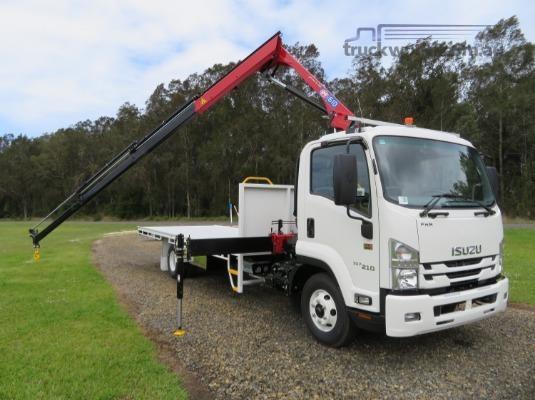 2018 Isuzu FRR 107 210 - Trucks for Sale