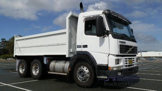 2000 Volvo FM420 - Trucks for Sale