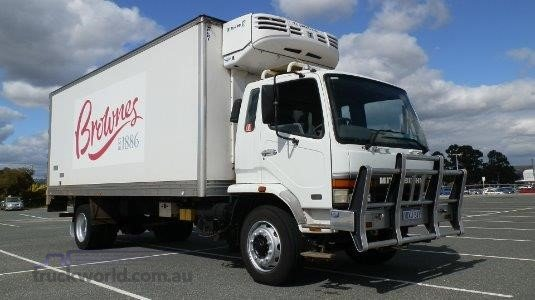 2002 Mitsubishi Fighter FM65FH1RFAE - Trucks for Sale