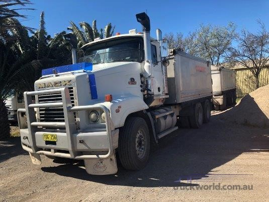 1999 Mack Trident Trucks for Sale