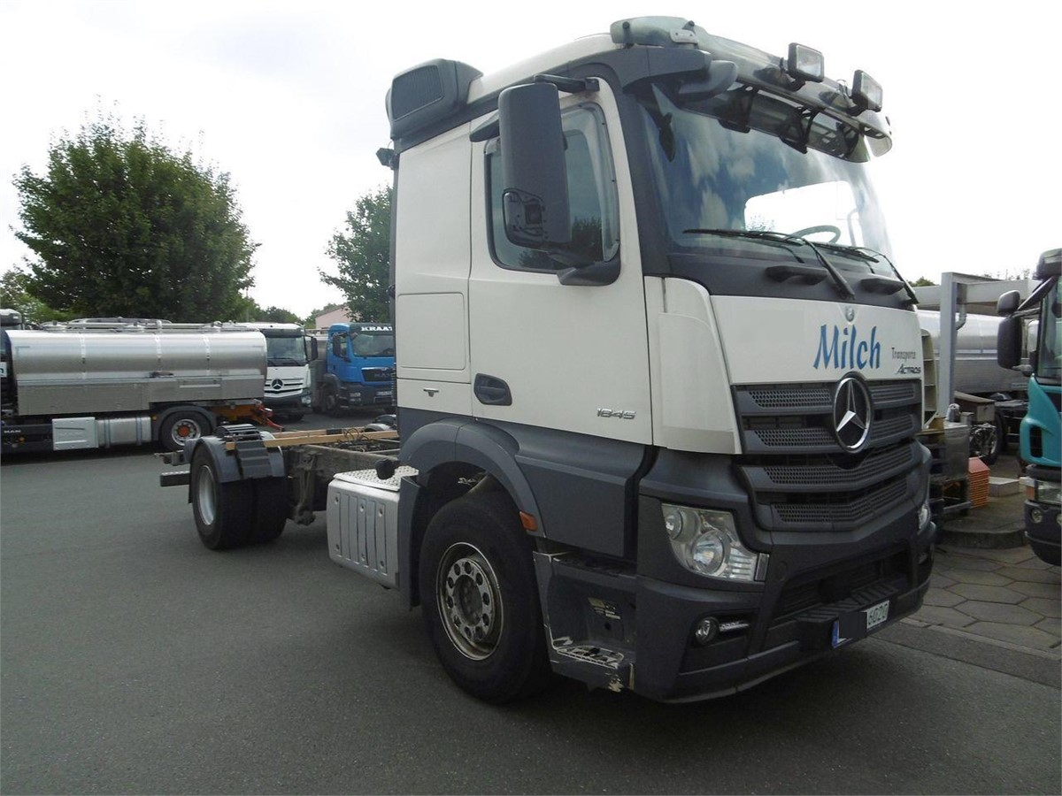 mercedes benz actros 1845 chassis cabs gebrauchter by tbsi. Black Bedroom Furniture Sets. Home Design Ideas