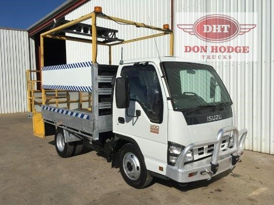 2006 Isuzu NKR 200 Don Hodge Trucks - Trucks for Sale