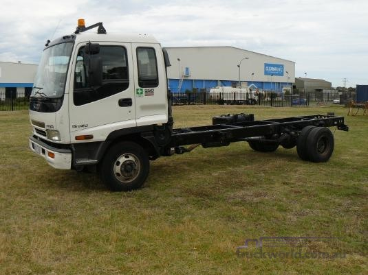 2006 Isuzu FRR 550 Long Trucks for Sale