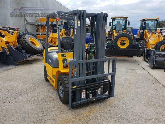Victory Equipment VF25D Mast Forklifts