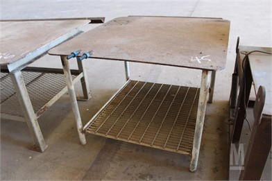 4'X4' Metal Work Table Workbenches / Tables Shop / Warehouse