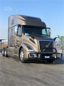 VOLVO VNL64T860 Conventional Trucks W/ Sleeper For Sale