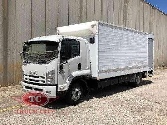 2012 Isuzu FRR 600 Long Truck City - Trucks for Sale