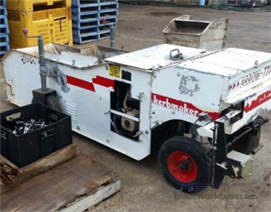2004 Arrow Machinery Kerbmaker 770 - Concrete Equipment for Sale