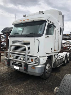 2006 Freightliner Argosy - Wrecking for Sale