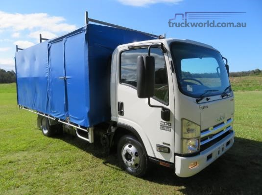 2014 Isuzu NPR200 PREMUIM Trucks for Sale