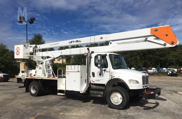 2010 FREIGHTLINER BUSINESS CLASS M2 106 For Sale In Pompano