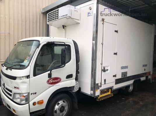 2009 Hino 300 Series - Trucks for Sale