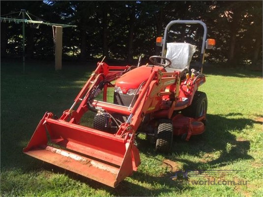 2018 Massey Ferguson GC1705 - Farm Machinery for Sale