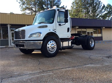 FREIGHTLINER BUSINESS CLASS M2 106 Heavy Duty Trucks Auction