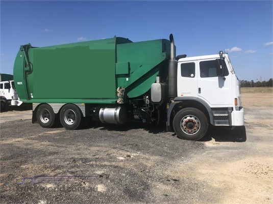 2010 Iveco Acco 2350 - Trucks for Sale