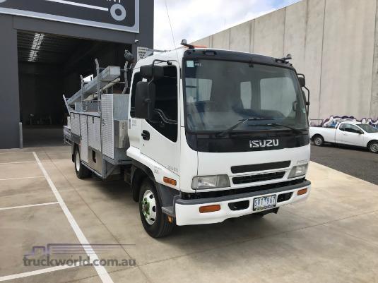 2003 Isuzu FRR 550 - Trucks for Sale