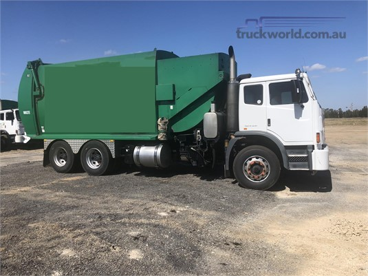 2009 Iveco Acco 2350G - Trucks for Sale