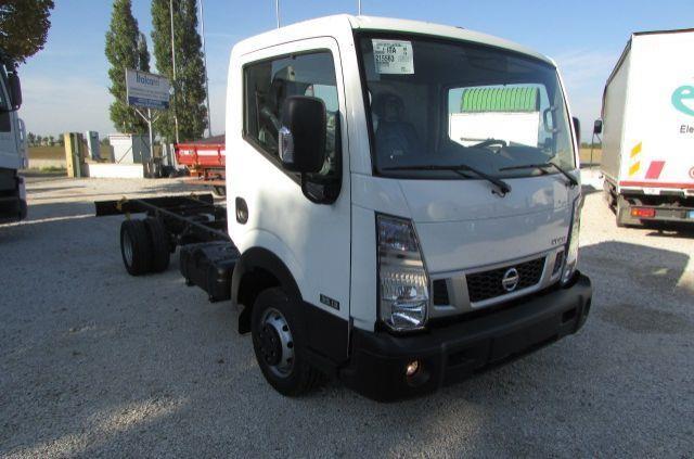 Nissan CABSTAR NT400 Usato