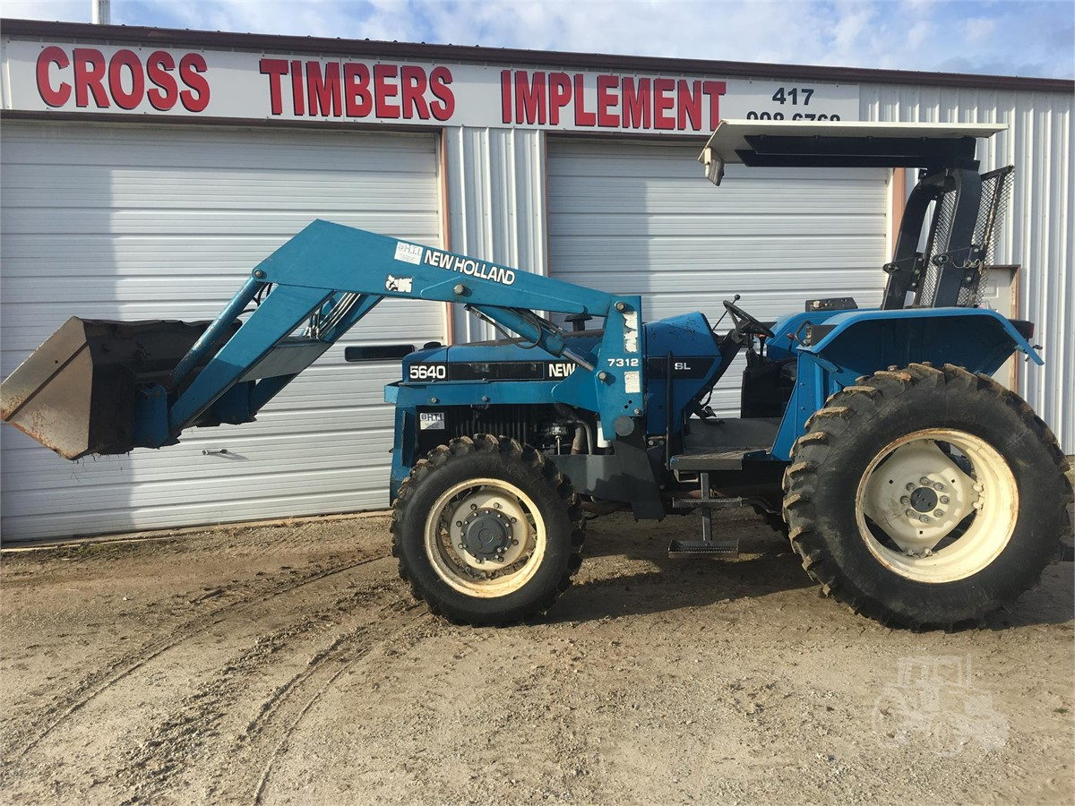 1997 NEW HOLLAND 5640 For Sale In Cross Timbers, Missouri