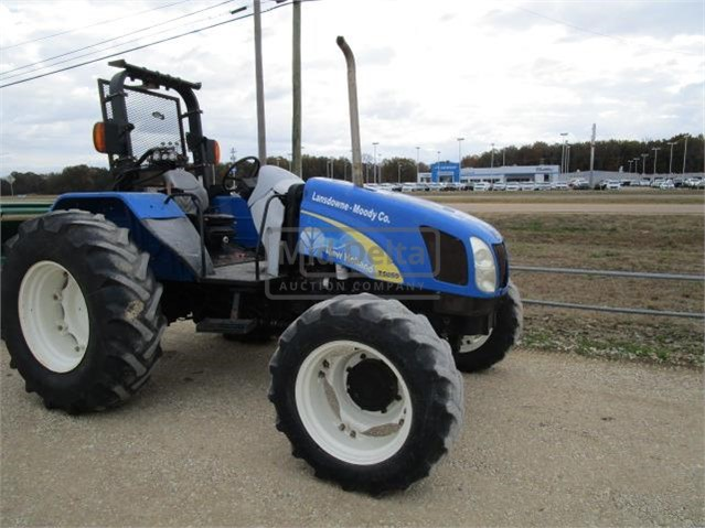 Lot # 120 - 2010 NEW HOLLAND T5050