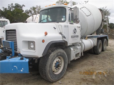 cf2ee1cdffb8 MACK Mixer Trucks   Asphalt Trucks   Concrete Trucks Auction Results ...
