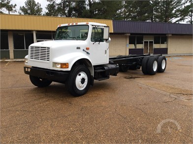 INTERNATIONAL 4900 Heavy Duty Trucks Online Auction Results