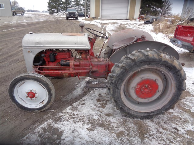 9n Ford Tractor >> 1941 Ford 9n