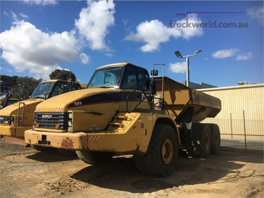 2005 Caterpillar 740 Heavy Machinery for Sale