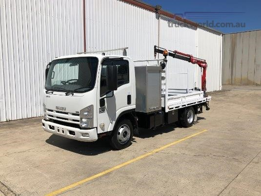 2008 Isuzu NPR 300 Medium Trucks for Sale