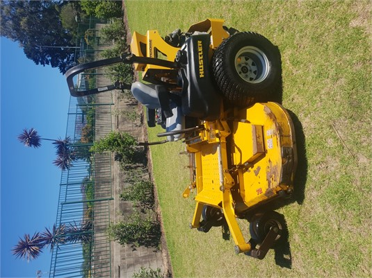 2016 Hustler Super Z HD 72 - Farm Machinery for Sale