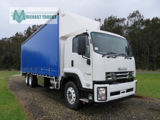 2018 Isuzu FVL 240 300 Long Midcoast Trucks - Trucks for Sale