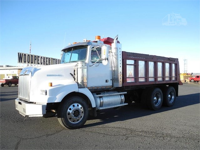 2005 WESTERN STAR 4900SA For Sale In Pendleton, Oregon