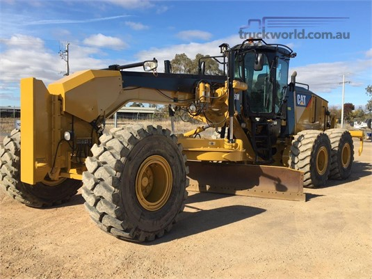 0 Caterpillar 16M Heavy Machinery for Sale