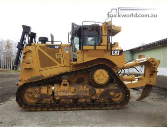 2014 Caterpillar D8T Heavy Machinery for Sale