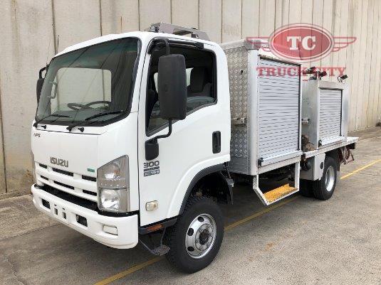 2012 Isuzu NPS 300 4x4 Crew Truck City - Trucks for Sale