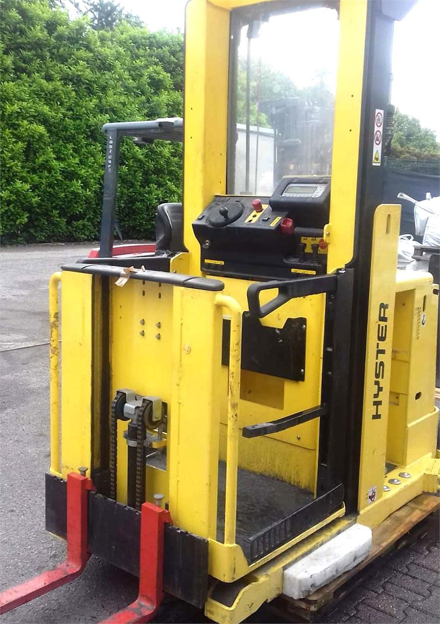 Hyster T30