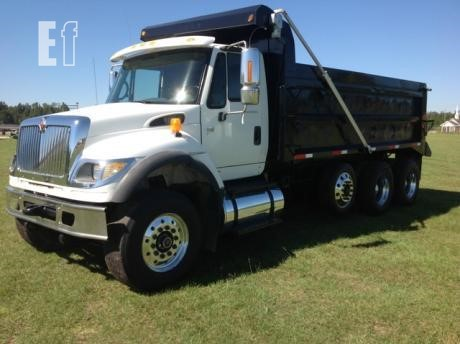 Lot # - 2006 INTERNATIONAL WORKSTAR 7700