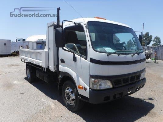 2005 Hino 300 Series 414 Raytone Trucks - Trucks for Sale
