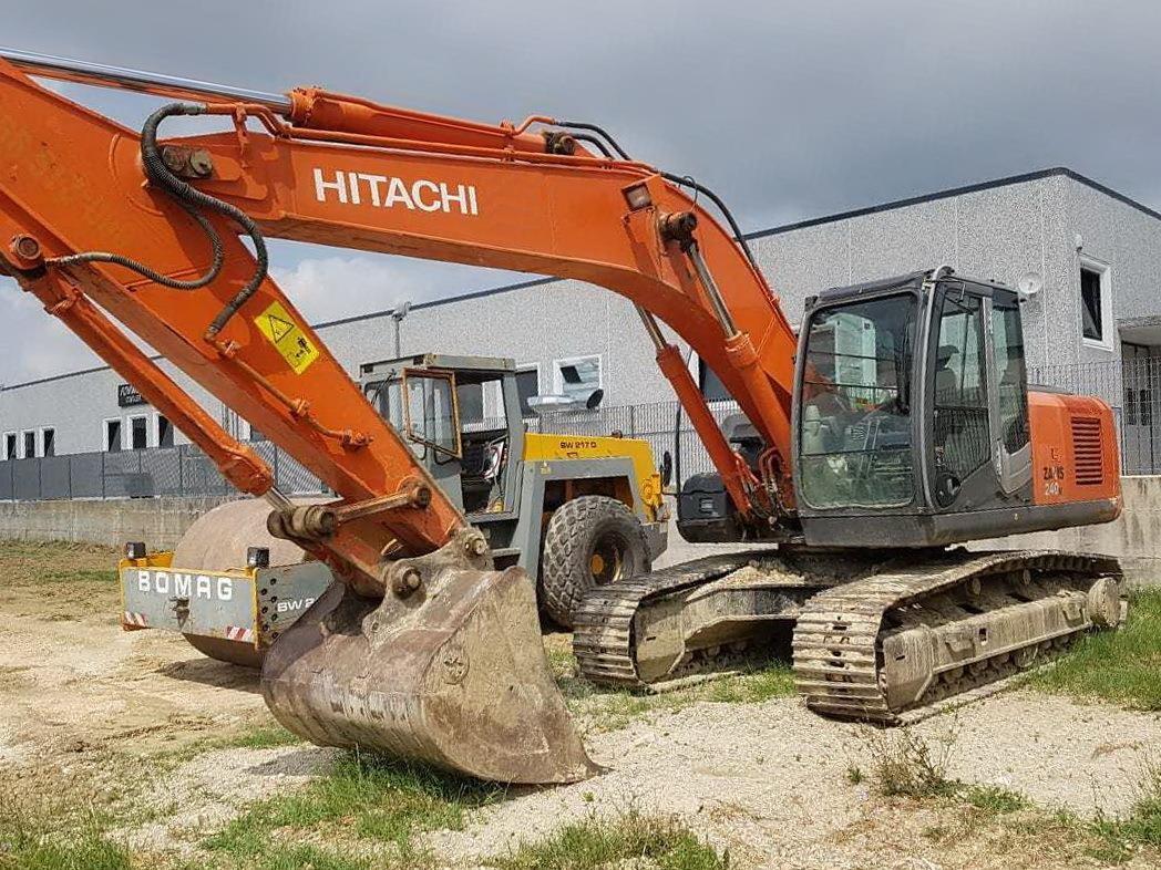 Hitachi ZX240N-3 Usato