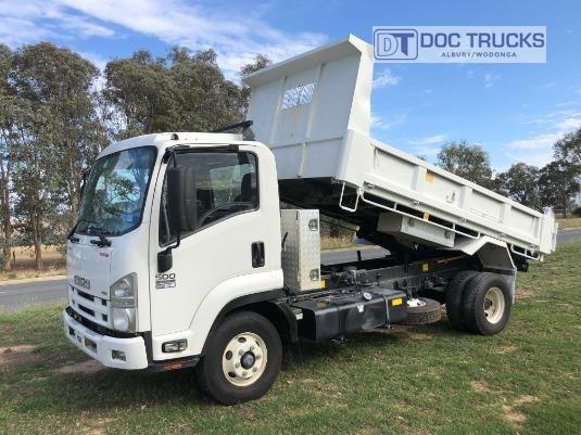 2015 Isuzu FRR 500 Short DOC Trucks - Trucks for Sale