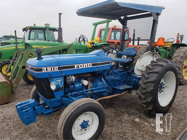 Lot 123 Ford 3910