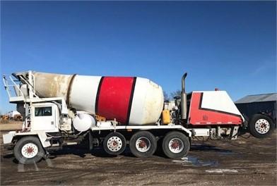 OSHKOSH Mixer Trucks / Asphalt Trucks / Concrete Trucks Auction