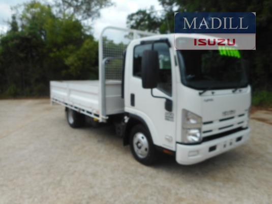 2011 Isuzu NPR 200 Medium - Trucks for Sale