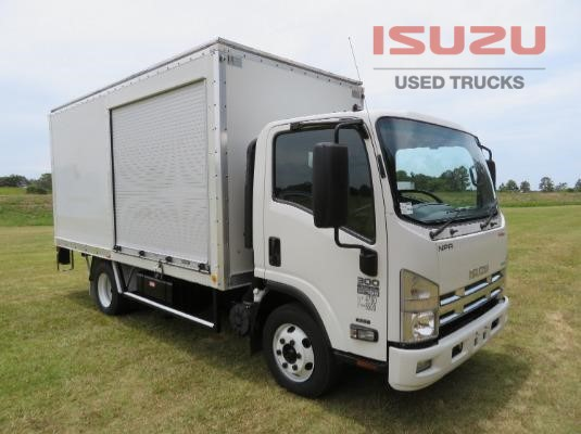 2013 Isuzu NPR300 PREMIUM Used Isuzu Trucks - Trucks for Sale