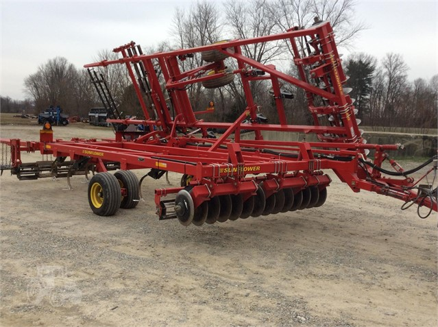 2010 SUNFLOWER 6221-17 For Sale In Albion, Illinois