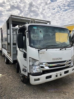 2017 Isuzu NPR 200 Medium Wrecking for Sale